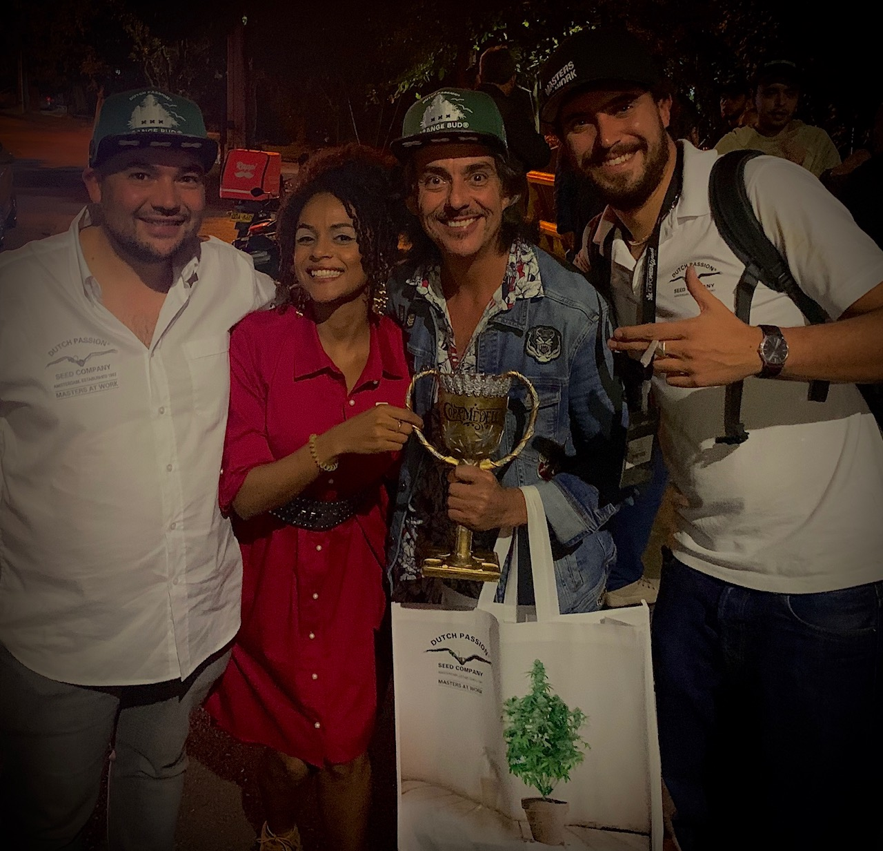 Dutch Passion wins award Copa Medellin